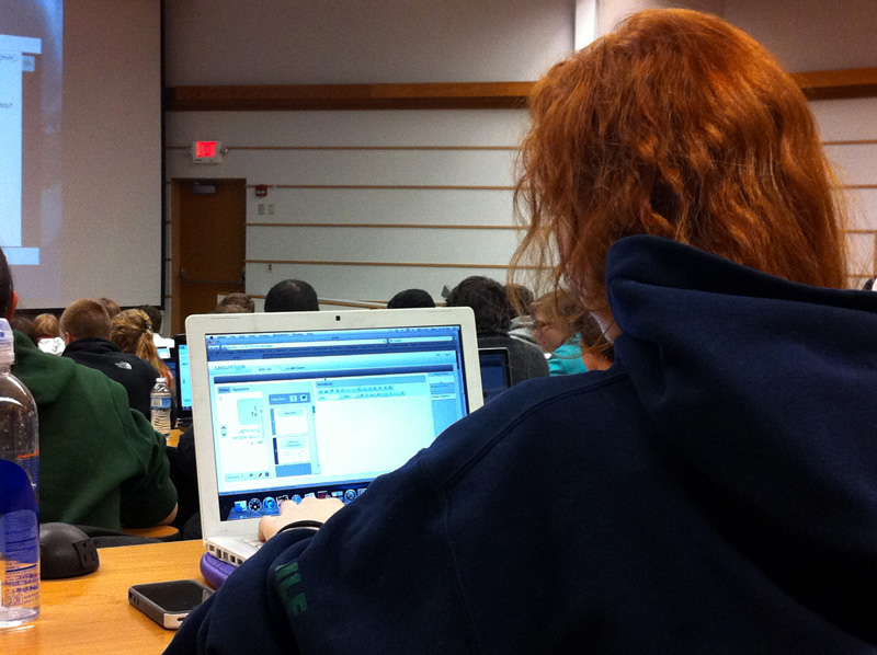 student uses LectureTools v2.0