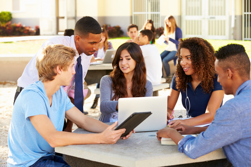Collaborative Teaching High School : Traditional to cutting edge how technology is shaping the